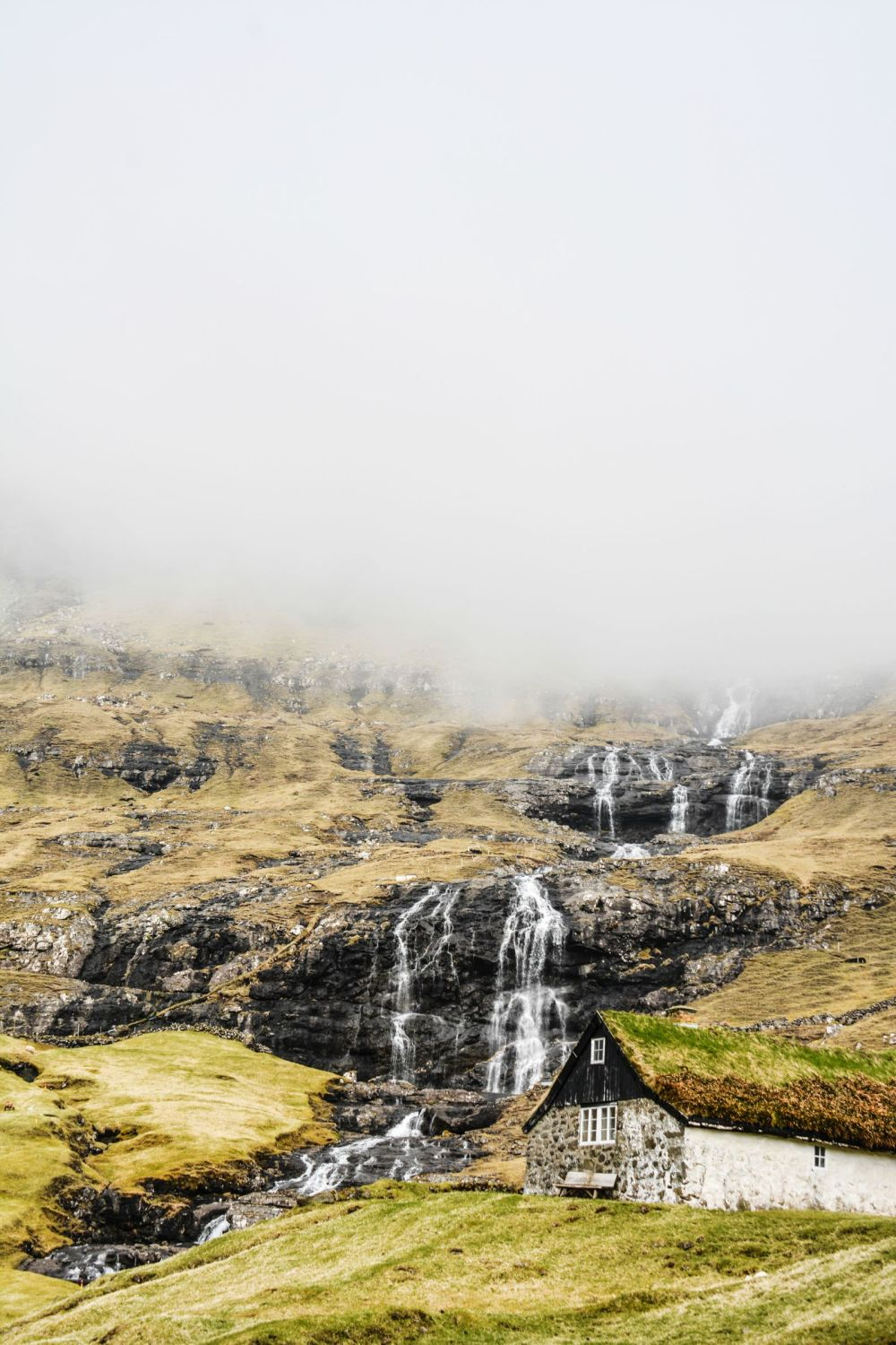 11 Dramatic Sights You Have To Explore In The Faroe Islands (17)