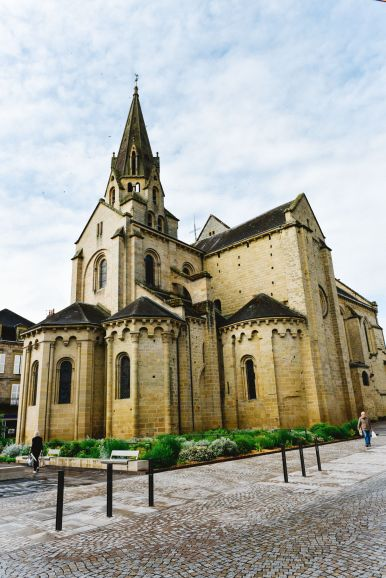 A Morning In The French Commune Of Brive-la-Gaillarde (12)