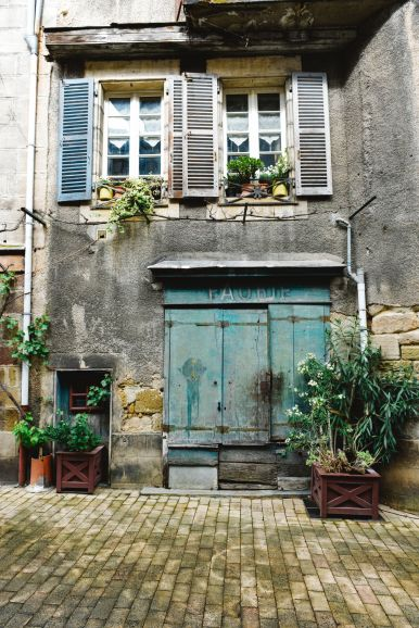 A Morning In The French Commune Of Brive-la-Gaillarde (16)