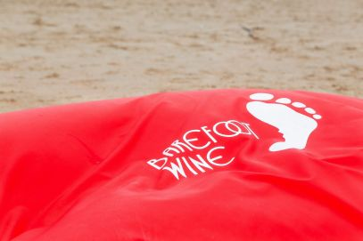 10 Ways To Help Give Back When You Travel With Barefoot Wine And Bubbly In Newcastle, England (5)