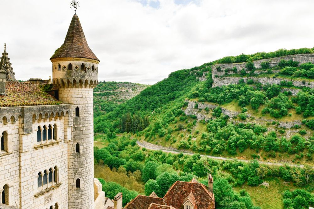 This Is The Most Dramatic Village In France - Rocamadour (43)