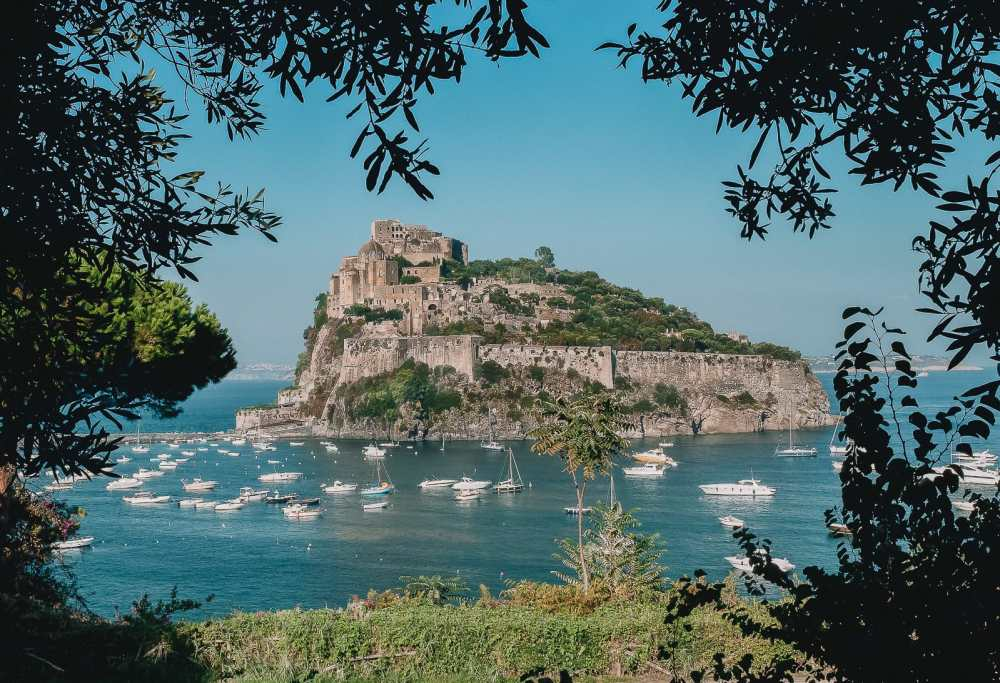 10 Very Best Castles In Italy To Visit (13)