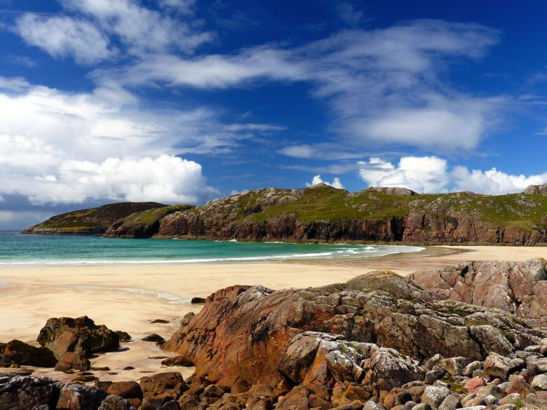 9 Unique And Offbeat Places You Have To Visit On A Road Trip Across Scotland (4)