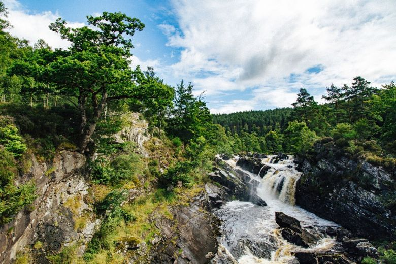 9 Unique And Offbeat Places You Have To Visit On A Road Trip Across Scotland (3)