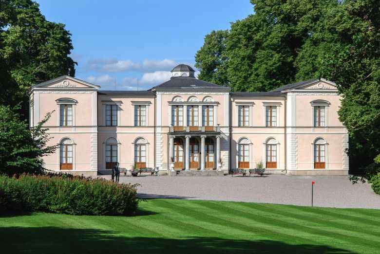 12 Magnificent Castles You Wouldn't Expect To See When Visiting Sweden (3)