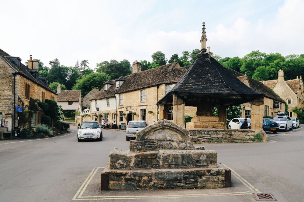 Exploring One Of England's Most Beautiful Villages - Castle Combe (11)