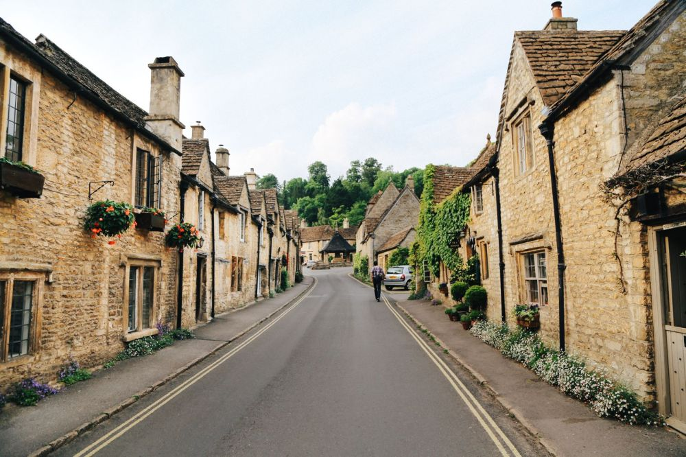 Exploring One Of England's Most Beautiful Villages - Castle Combe (22)