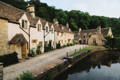 Exploring One Of England's Most Beautiful Villages - Castle Combe (23)