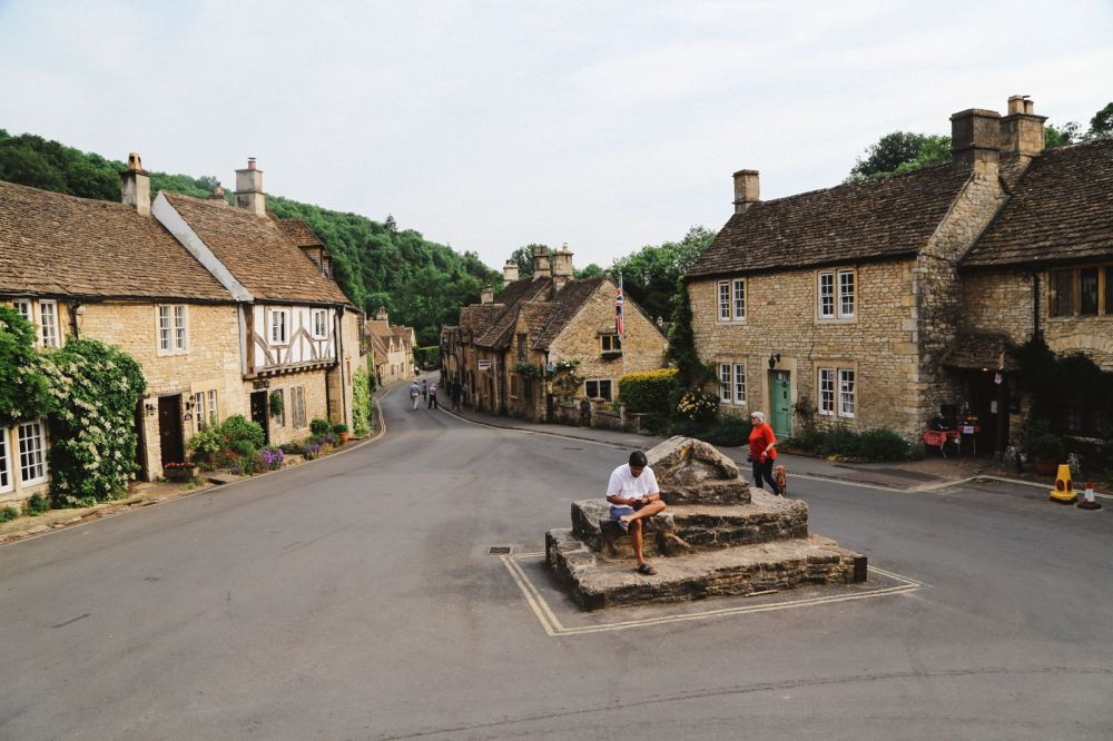 Exploring One Of England's Most Beautiful Villages - Castle Combe (39)
