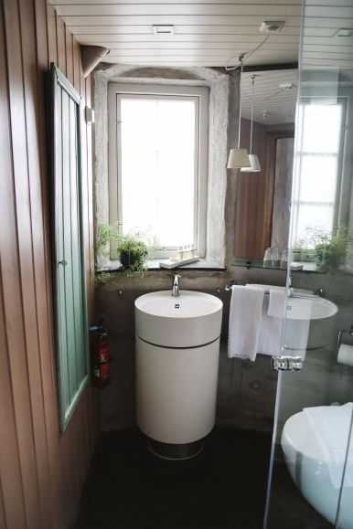 The Most Unique Place To Stay In Alesund, Norway - Molja Lighthouse! (4)