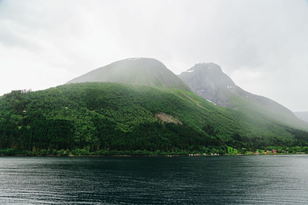 Alesund To Solavågen To Festoy To Leknes To Oye... One Of Norway's Most Scenic Driving Routes (21)