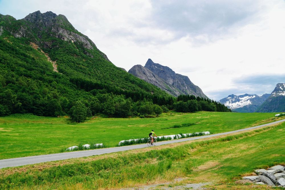Alesund To Solavågen To Festoy To Leknes To Oye... One Of Norway's Most Scenic Driving Routes (29)
