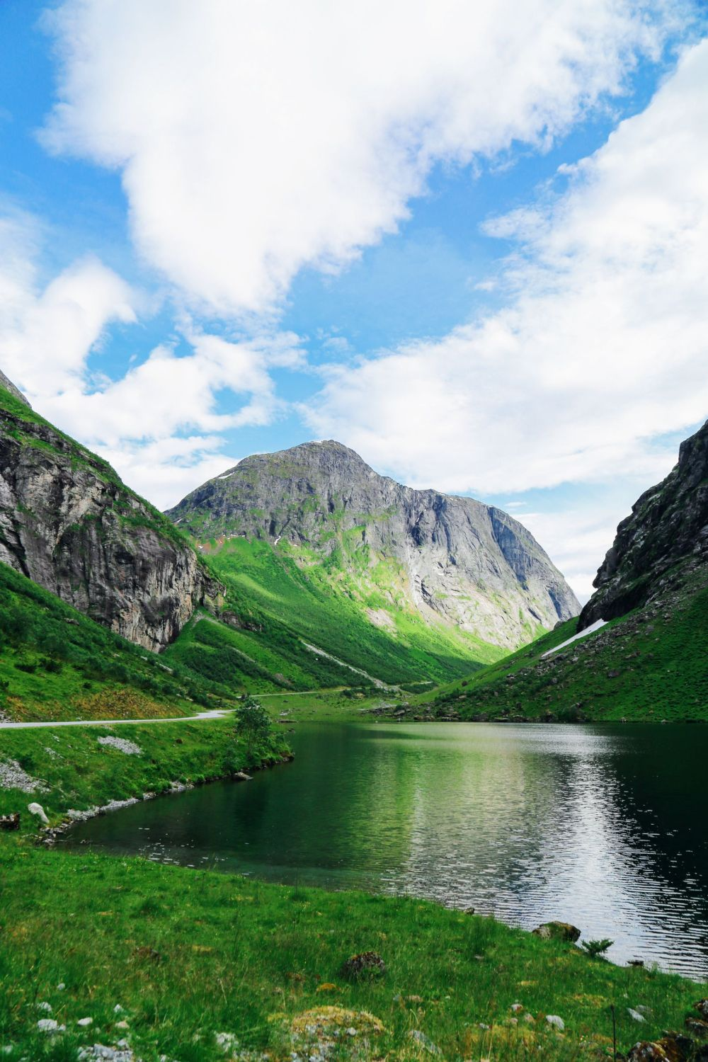 Driving Through The Absolutely Stunning Norangsdalen Valley In Norway (14)