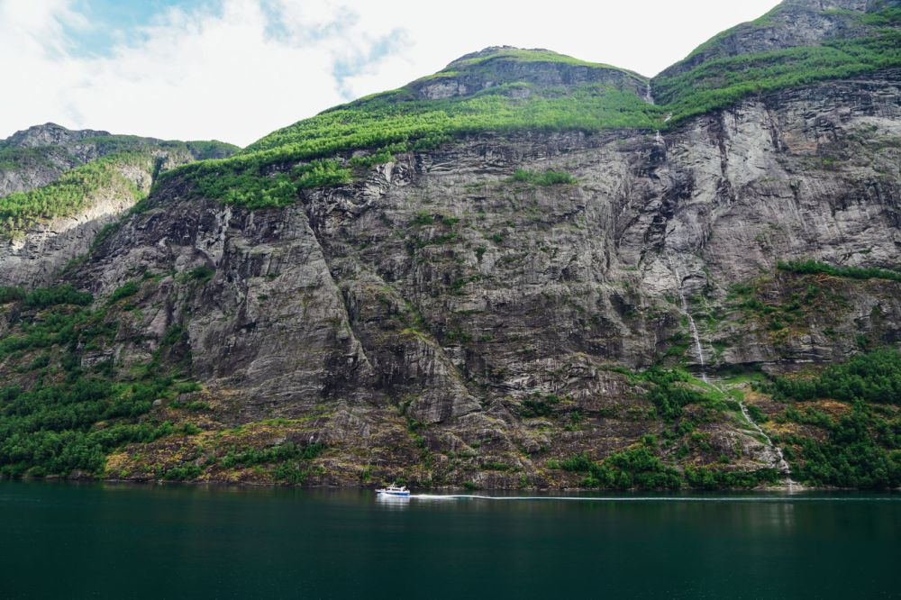 A Journey Through The Beautiful Geirangerfjord, Norway (12)