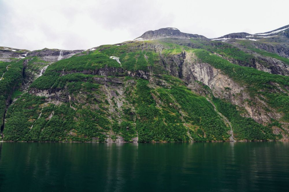 A Journey Through The Beautiful Geirangerfjord, Norway (15)