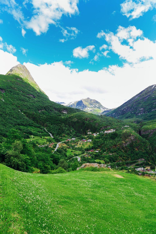 Exploring Storseterfossen Waterfall - A Waterfall In Norway You Can Walk Behind! (2)