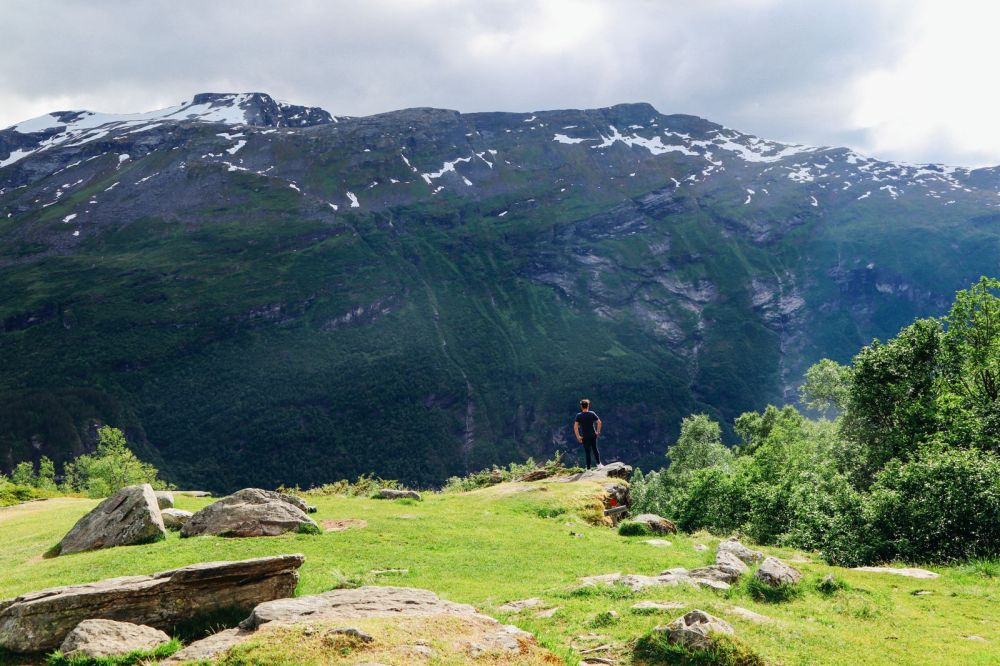 Exploring Storseterfossen Waterfall - A Waterfall In Norway You Can Walk Behind! (10)