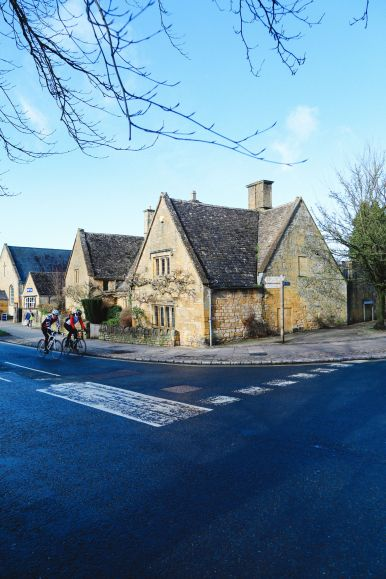 An Afternoon In The English Villages Of Broadway And Bourton-On-The-Water... The Cotswolds, England (27)