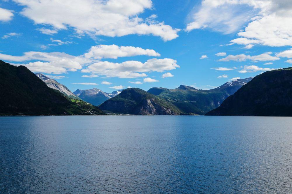 Exploring Storseterfossen Waterfall - A Waterfall In Norway You Can Walk Behind! (39)