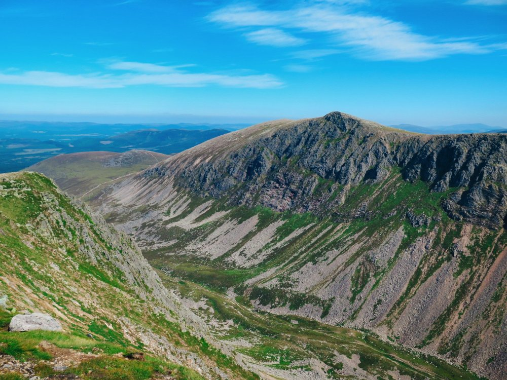 10 Hikes You Have To Do In Scotland (5)