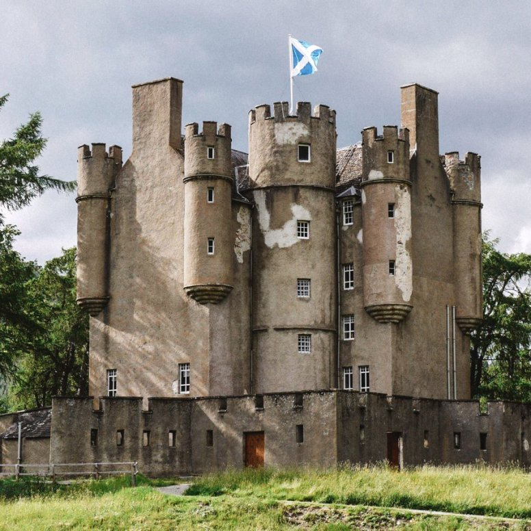 10 Beautiful Villages To Visit In The Scottish Highlands (9)