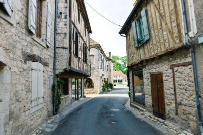 Charming Issigeac... The Medieval Village In France's Dordogne Valley (12)
