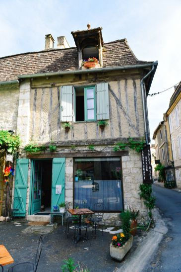 Charming Issigeac... The Medieval Village In France's Dordogne Valley (15)