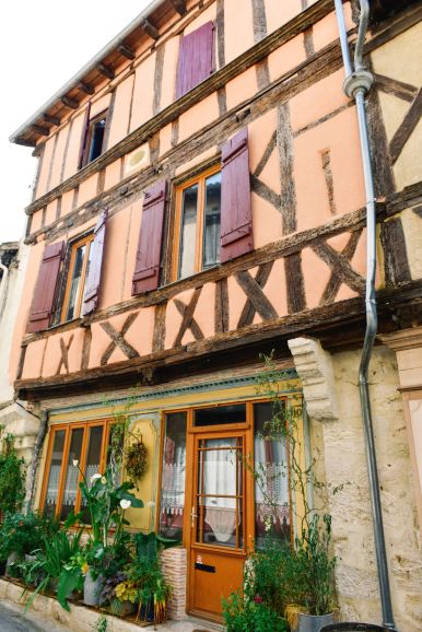 Charming Issigeac... The Medieval Village In France's Dordogne Valley (19)