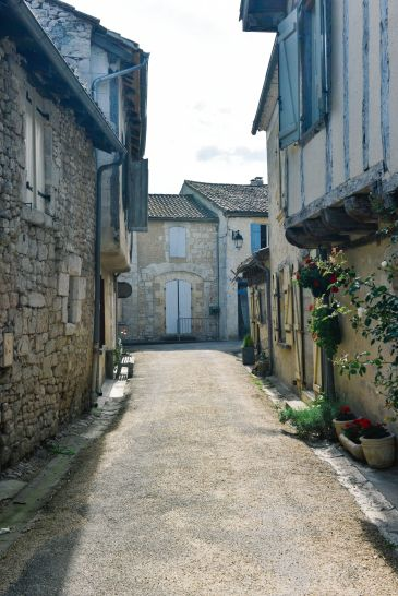 Charming Issigeac... The Medieval Village In France's Dordogne Valley (23)