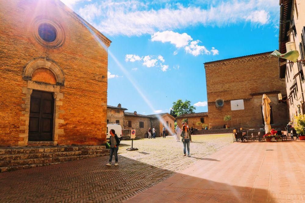 The Beautiful Italian Town Of San Gimignano (11)