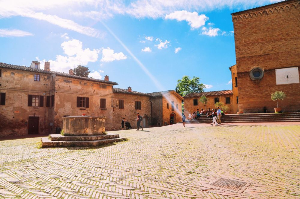 The Beautiful Italian Town Of San Gimignano (12)