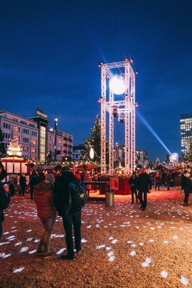 The Sauciest Christmas Market In Hamburg, Germany… (43)