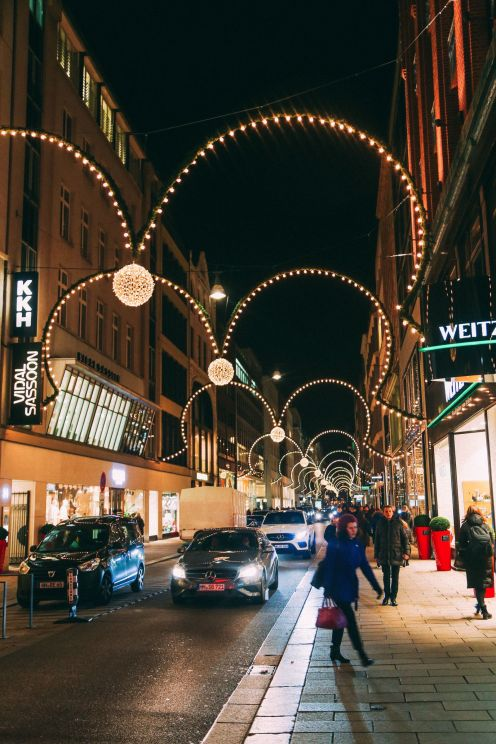Christmas Market Fun In Hamburg, Germany… (17)