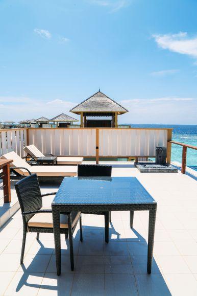 Angsana Velavaru - The Most Amazing In-Ocean Villa In The Maldives (11)