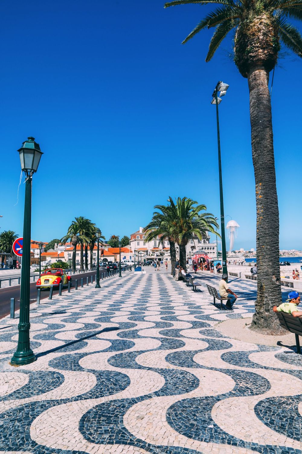 The Beautiful Seaside Town Of Cascais In Portugal... (32)