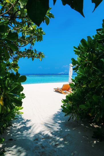 Sunshine and Island Hues... At Velassaru Maldives (29)