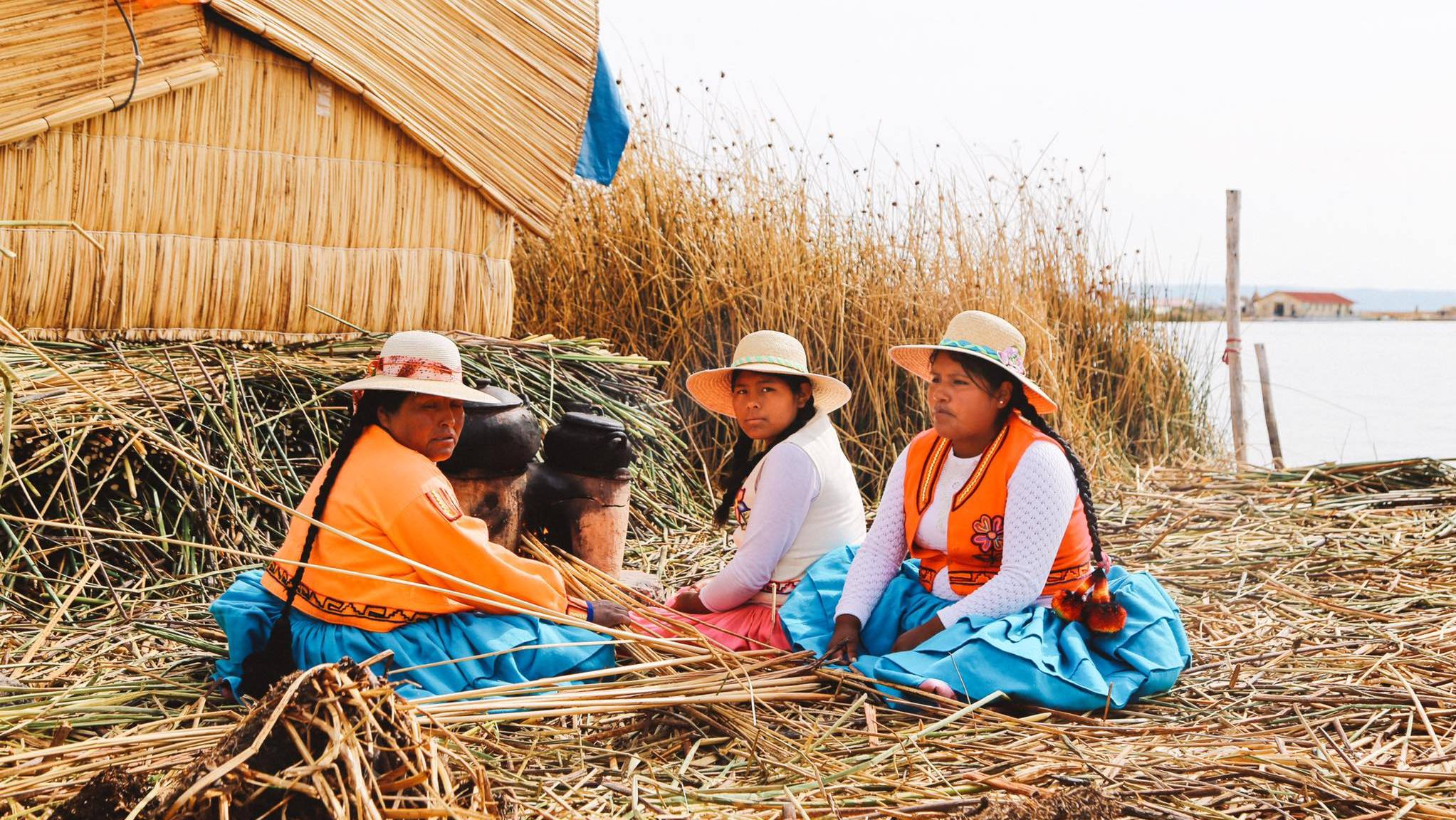 The Floating Villages Of Lake Titicaca In Peru (1)