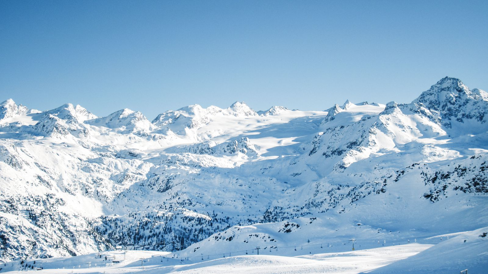9 Of The Best Ski Resorts To Visit In Europes Alps Hand