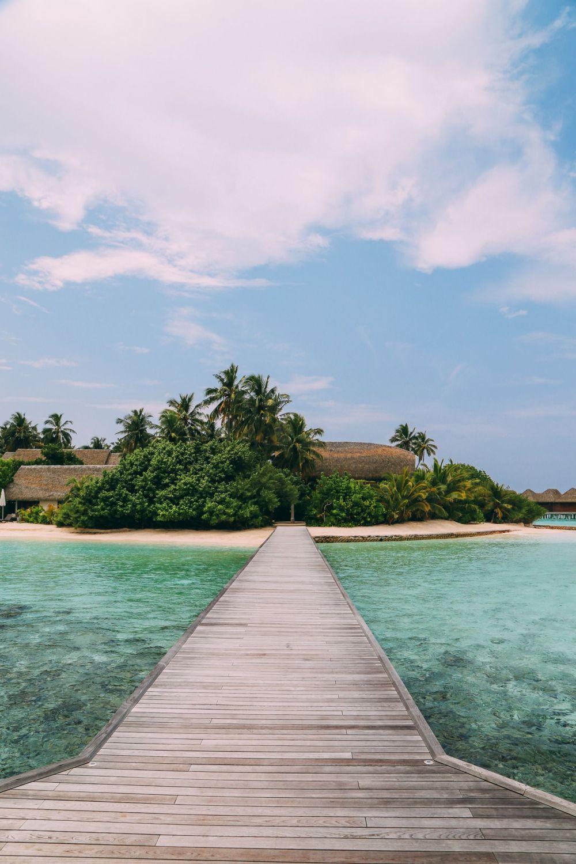 The Amazing Beauty That Is Kandolhu Island, Maldives (1)