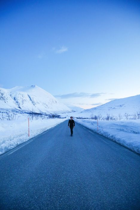 Visiting The Artic Circle in Tromso and Sommaroy in Norway, Europe. Northern Lights, Snow Mountains, Seaside (25) (23)