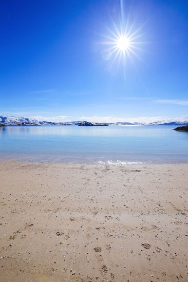 Visiting The Artic Circle in Tromso and Sommaroy in Norway, Europe. Northern Lights, Snow Mountains, Seaside (25) (21)