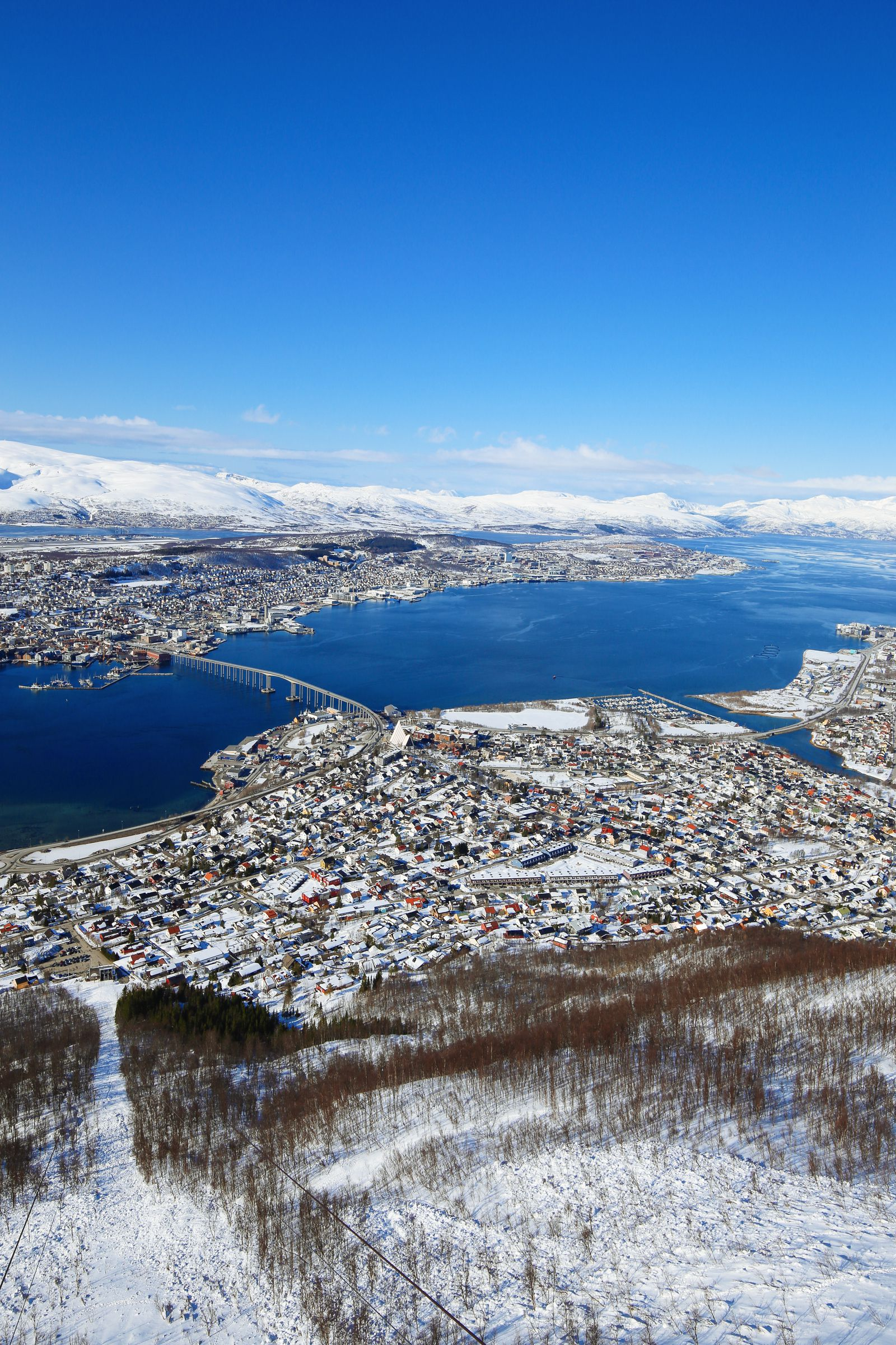 Visiting The Artic Circle in Tromso and Sommaroy in Norway, Europe. Northern Lights, Snow Mountains, Seaside (25) (6)