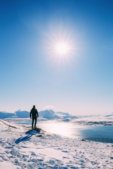 Visiting The Artic Circle in Tromso and Sommaroy in Norway, Europe. Northern Lights, Snow Mountains, Seaside (25) (5)