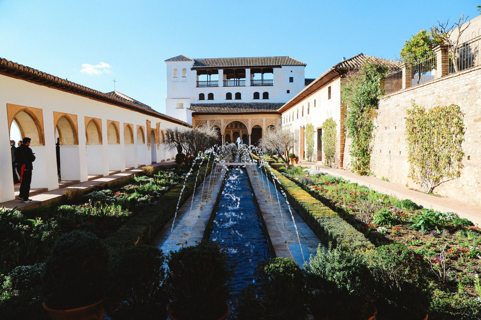 The Absolutely Beautiful Generalife Palace… In Granada, Spain (14)