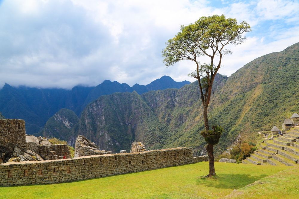 This Is The Most Unique View Of Machu Picchu – At The Top Of Huayna Picchu Mountain (49)