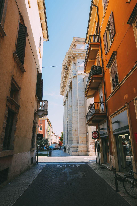 Piazza Bra And Arena di Verona... Italy (45)