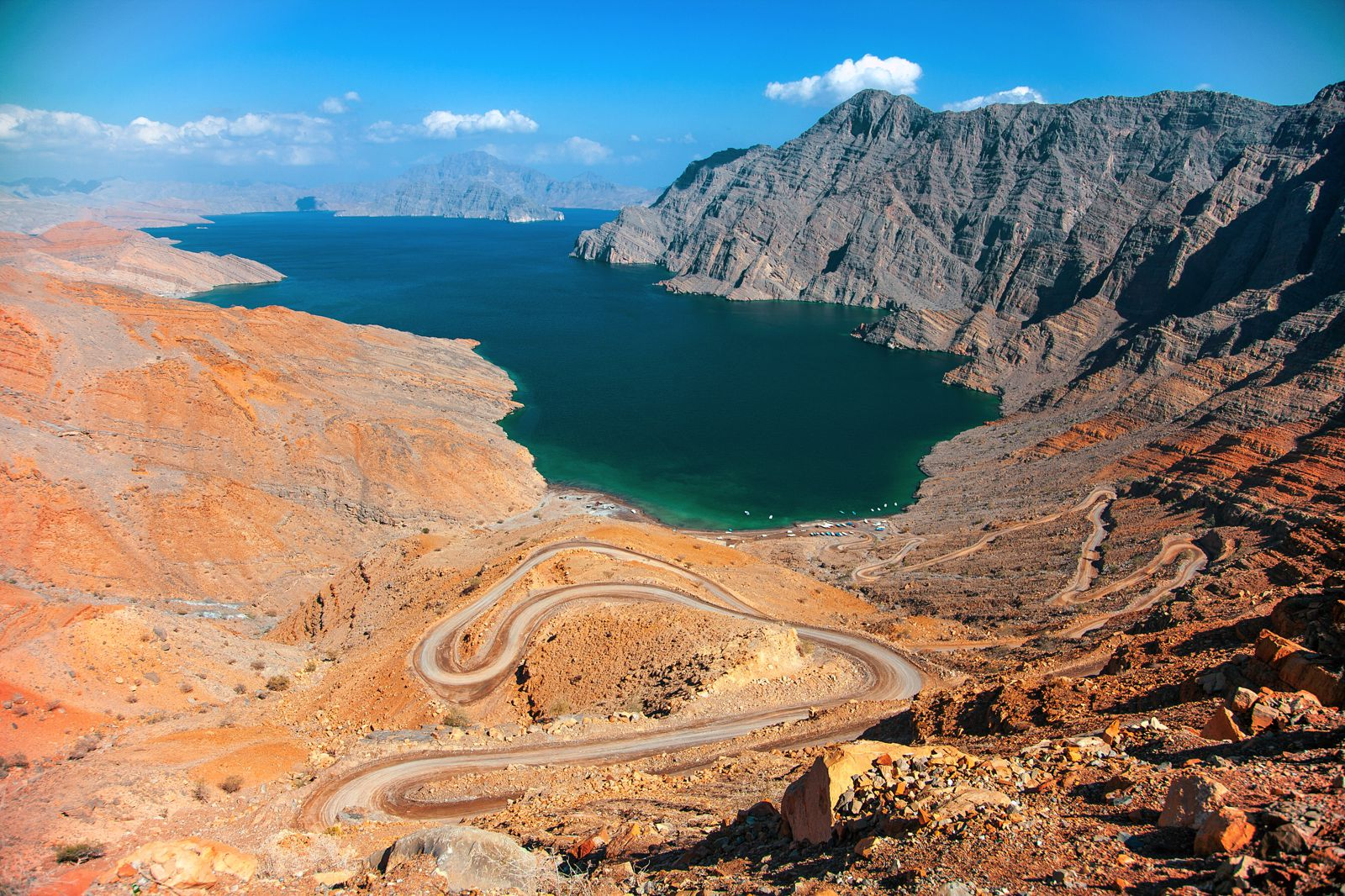 11 Beautiful And Surprising Places You Have To Visit In Oman (4)