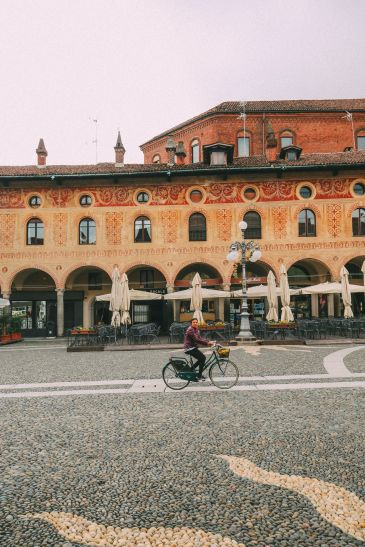 Exploring The Italian Region Of Lombardy – On A Rickshaw! (25)