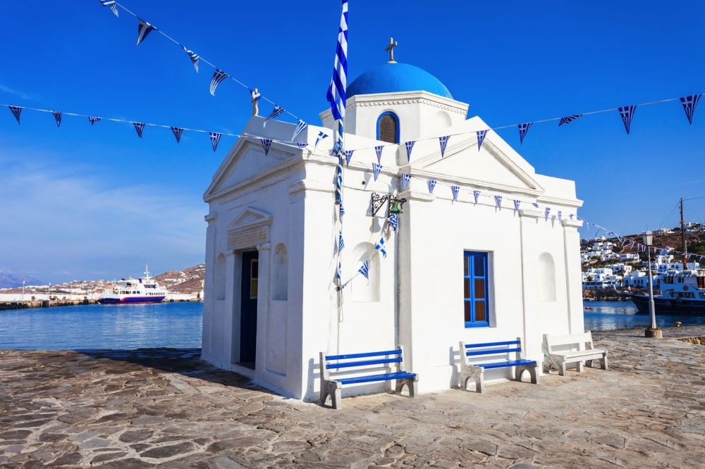 The Complete Guide On Things To See, Do And Eat In Mykonos, Greece (10)