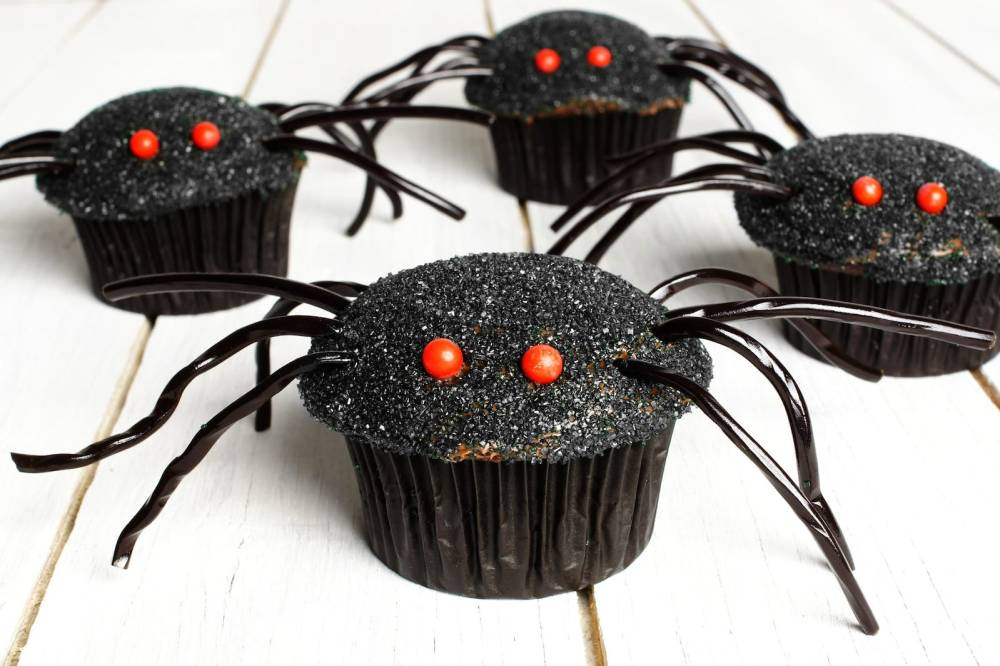 11 Spooky and Easy Foods To Make For Halloween (12)